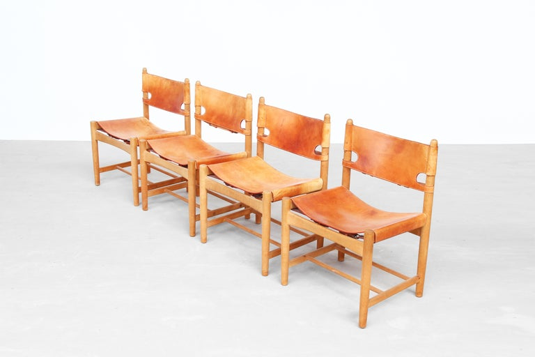 Set of Four Hunting Dining Chairs 3237 by Børge Mogensen for Fredericia Denmark  For Sale 4