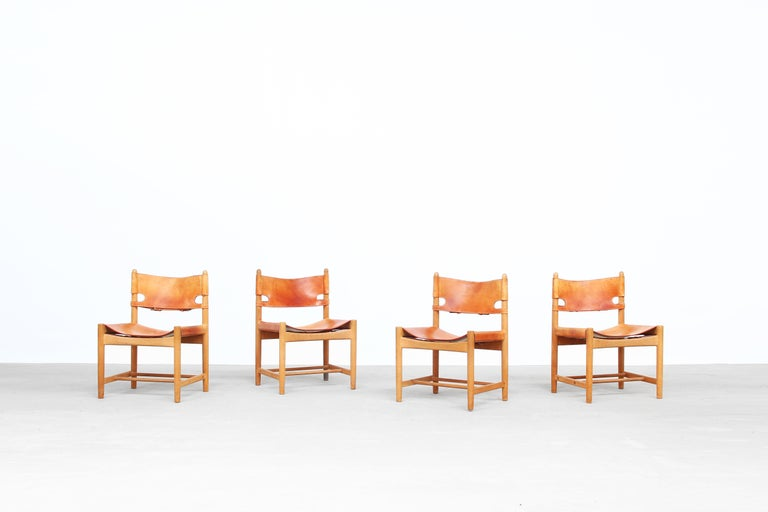 Beautiful set of four Børge Mogensen 'Hunting' chairs, model no. 3237 for Fredericia Furniture, with saddle leather on oak frames. All four chairs come with a great patina and beautifully aged oaf frame. Very good original condition!
