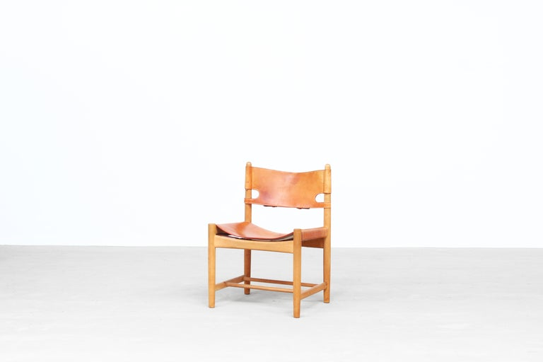 Set of Four Hunting Dining Chairs 3237 by Børge Mogensen for Fredericia Denmark  In Good Condition For Sale In Berlin, DE
