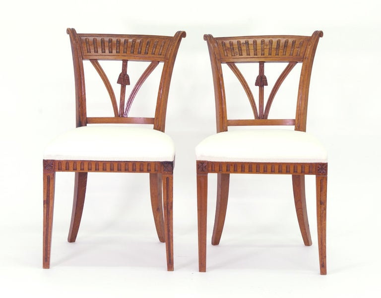 Set of Four Italian Side Chairs, circa 1800 In Good Condition For Sale In St. Louis, MO