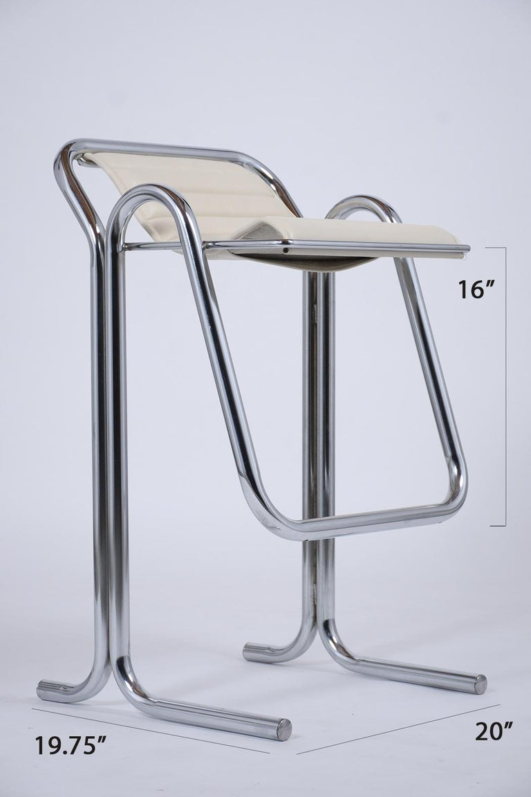 Set of Jerry Johnson Chrome Bar Stools In Good Condition For Sale In Los Angeles, CA