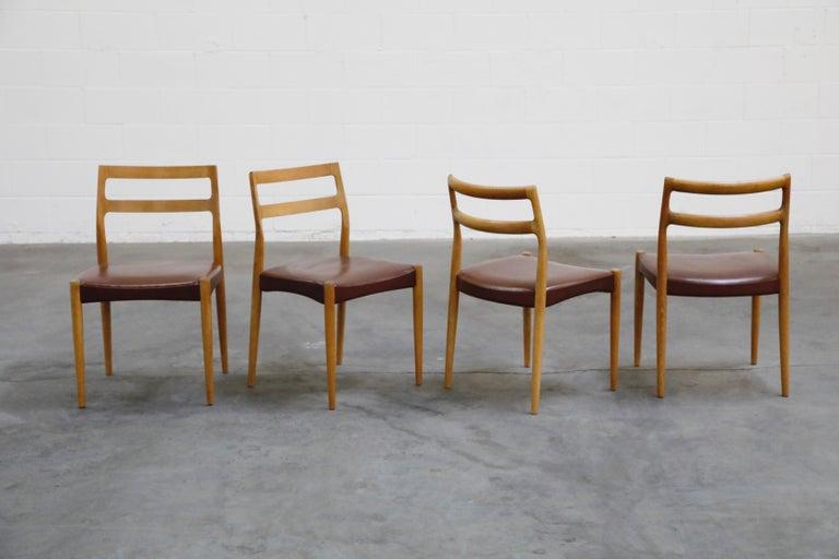 Scandinavian Modern Set of Four Johannes Andersen for Uldum Møbelfabrik Danish Modern Dining Chairs For Sale