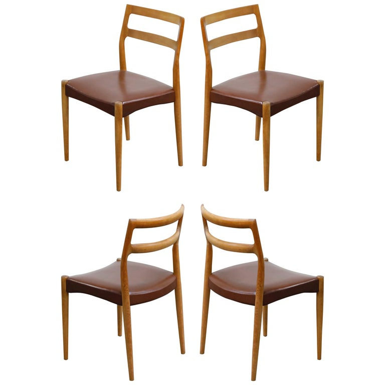 Set of Four Johannes Andersen for Uldum Møbelfabrik Danish Modern Dining Chairs For Sale