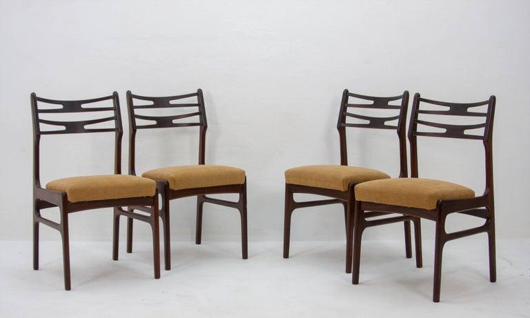 Mid-Century Modern Set of Four Johannes Andersen Model 101 Teak Dining Chairs, 1950s For Sale
