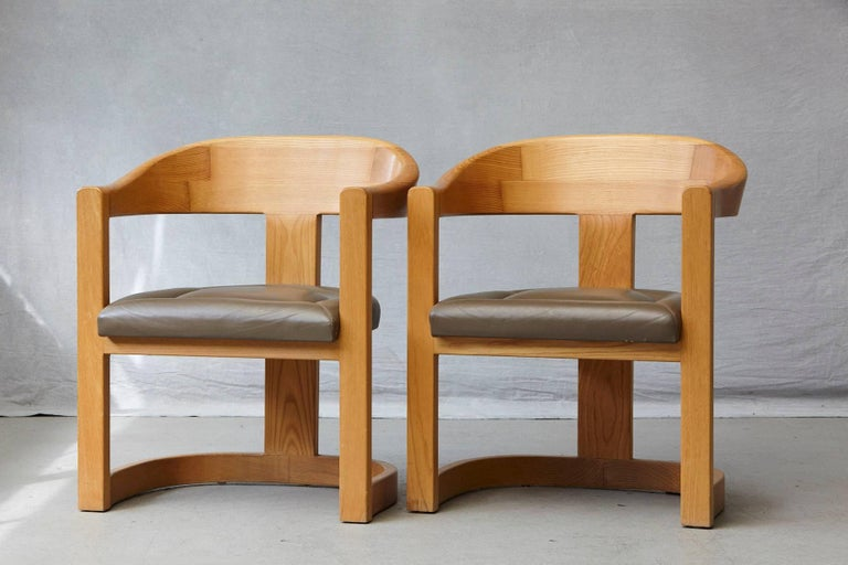 Set of Four Karl Springer Oak and Leather 'Onassis' Arm or Dining Chairs For Sale 4