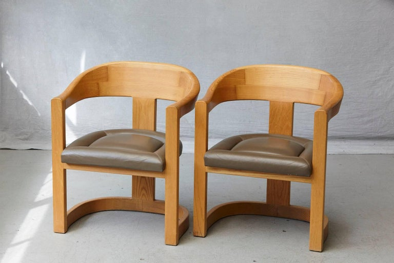 Set of Four Karl Springer Oak and Leather 'Onassis' Arm or Dining Chairs For Sale 5