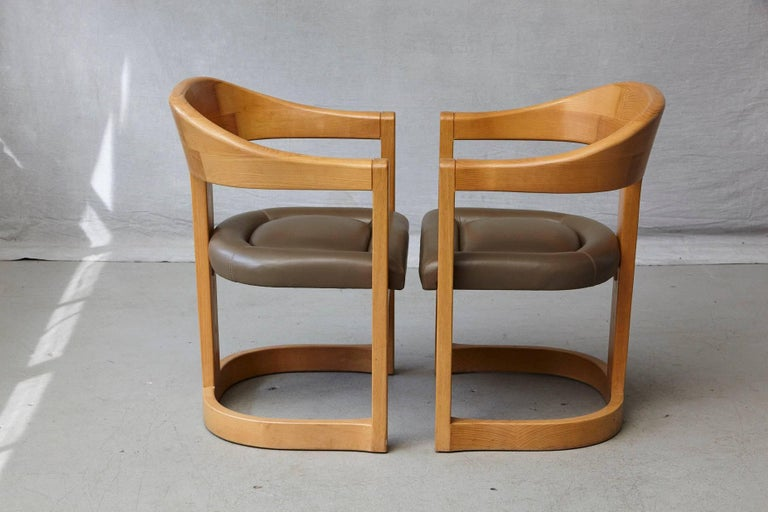 Set of Four Karl Springer Oak and Leather 'Onassis' Arm or Dining Chairs For Sale 1
