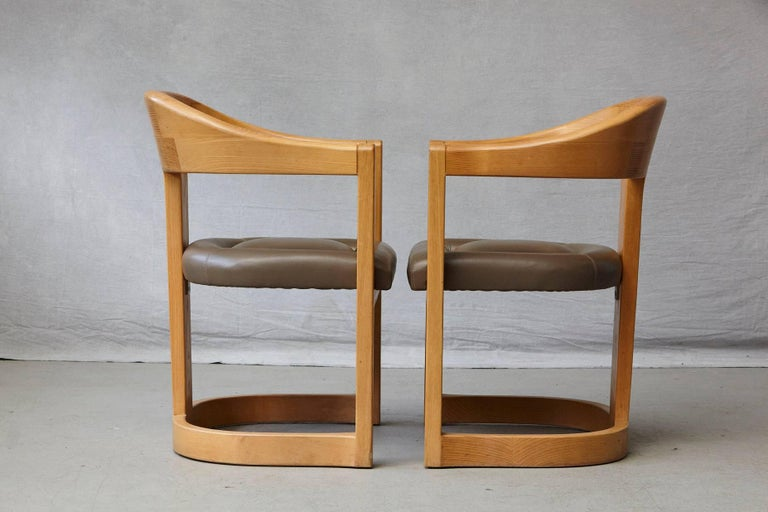 Set of Four Karl Springer Oak and Leather 'Onassis' Arm or Dining Chairs For Sale 2