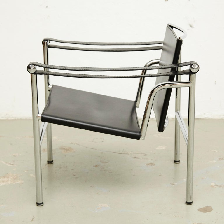 Set of Four Le Corbusier, Pierre Jeanneret Charlotte Perriand LC1 Black Leather For Sale 7