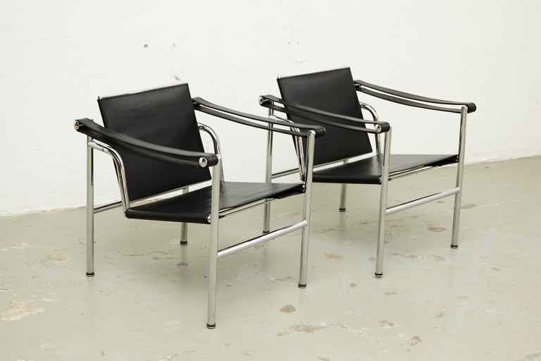 Le Corbusier, Pierre Jeanneret and Charlotte Perriand LC1 Black leather lounge chair chromed steel. By unknown manufacturer. Manufactured, circa 1970.  In good original condition with minor wear consistent of age and use, preserving a beautiful