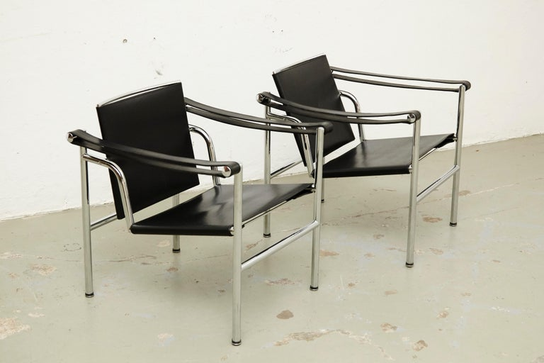 Set of Four Le Corbusier, Pierre Jeanneret Charlotte Perriand LC1 Black Leather In Good Condition For Sale In Barcelona, Barcelona