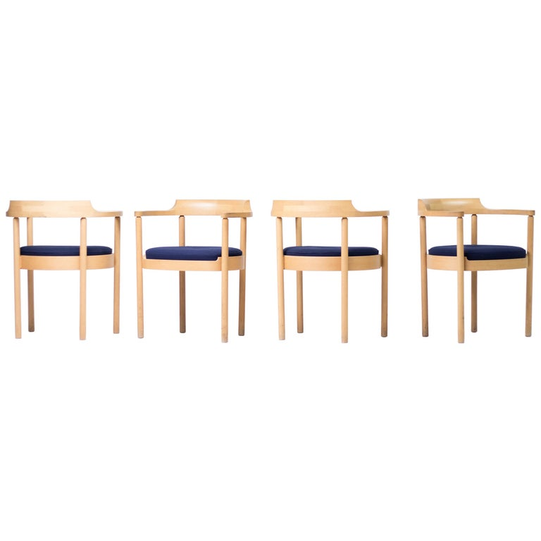 Set of Four M40 Dining Chairs by Henning Jensen & Torben Valeur For Sale