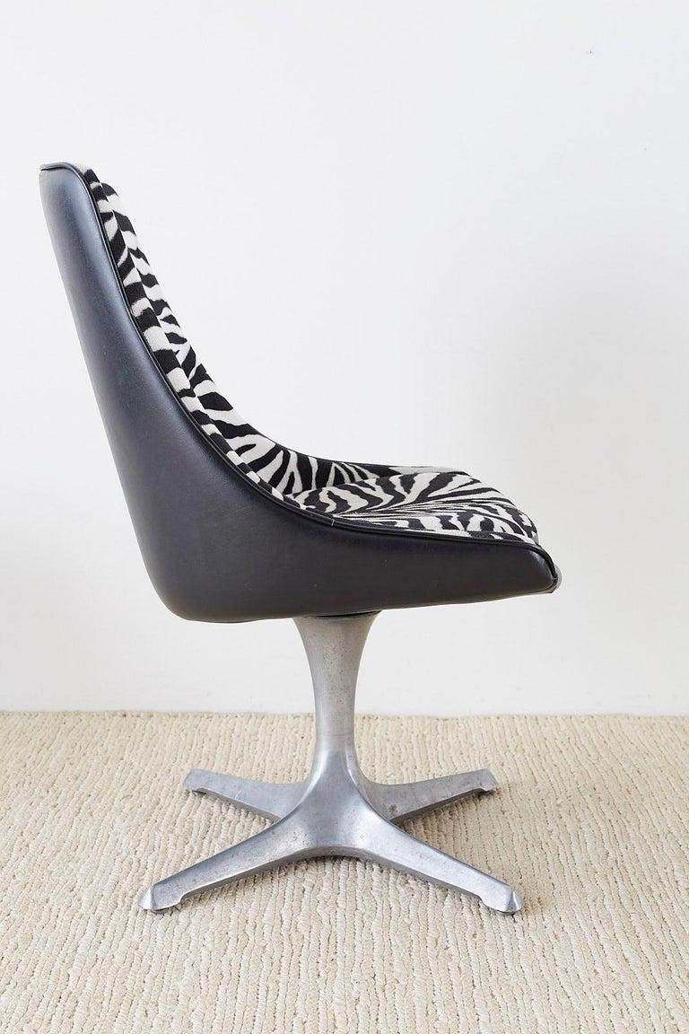 Set of Four Midcentury Chromcraft Zebra Swivel Dining Chairs For Sale 3
