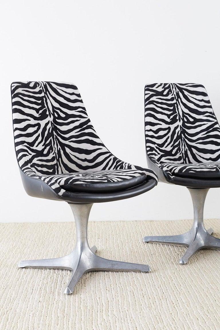 Mid-Century Modern Set of Four Midcentury Chromcraft Zebra Swivel Dining Chairs For Sale