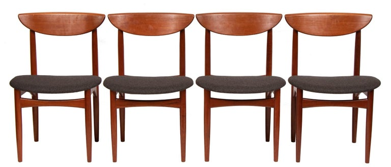 Set of Four Mid Century Danish Teak Dining Chairs By Dyrlund. For Sale 5