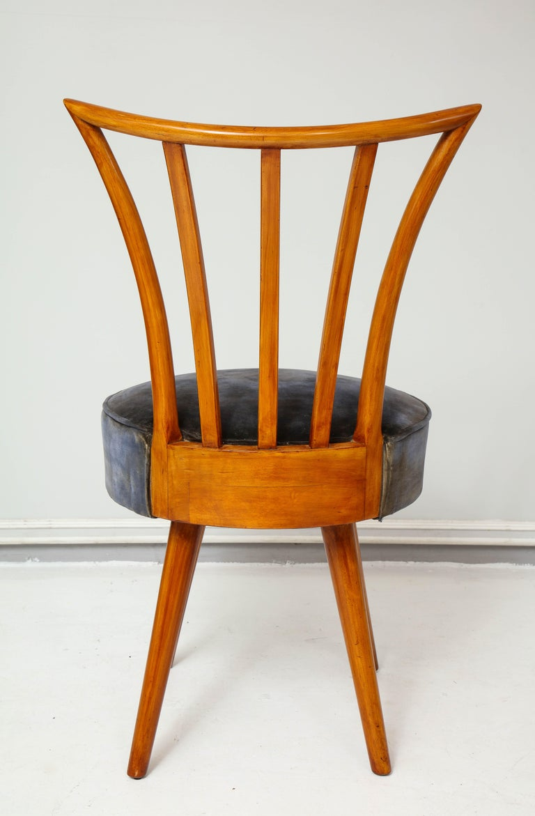 Set of Four Mid-Century Modern Chairs in the Manner of Robsjohn-Gibbings For Sale 4