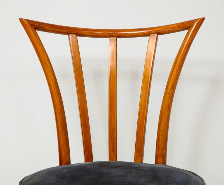 American Set of Four Mid-Century Modern Chairs in the Manner of Robsjohn-Gibbings For Sale