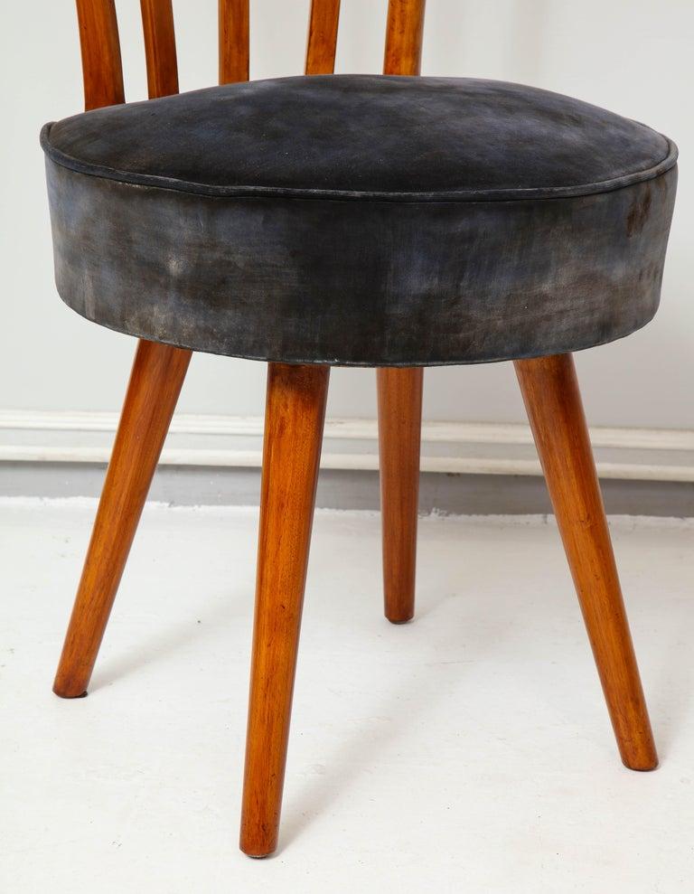 Set of Four Mid-Century Modern Chairs in the Manner of Robsjohn-Gibbings For Sale 1