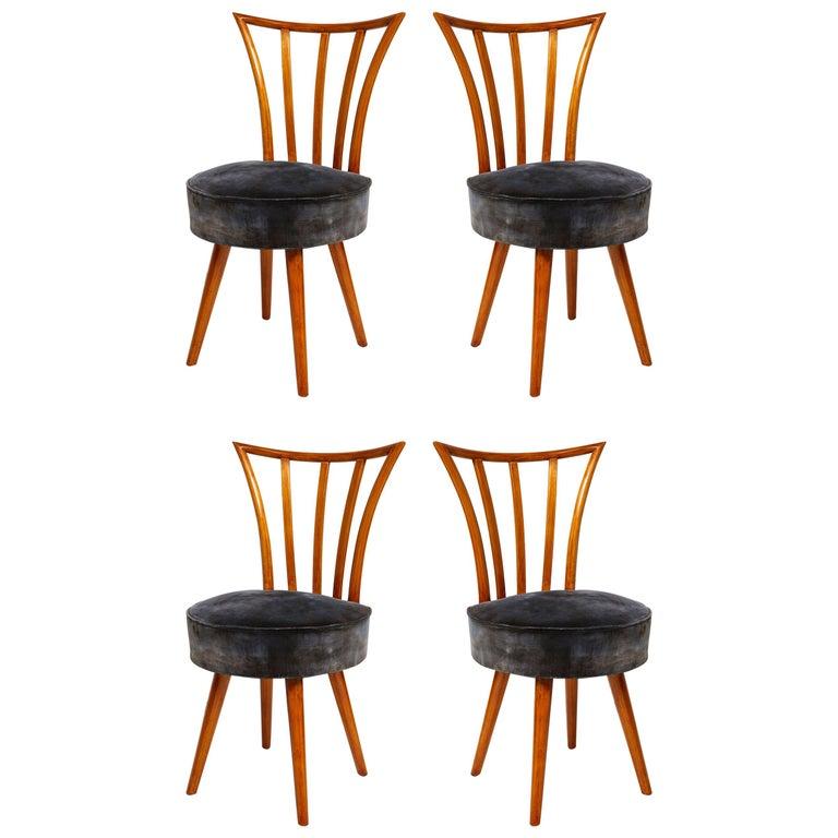 Set of Four Mid-Century Modern Chairs in the Manner of Robsjohn-Gibbings For Sale