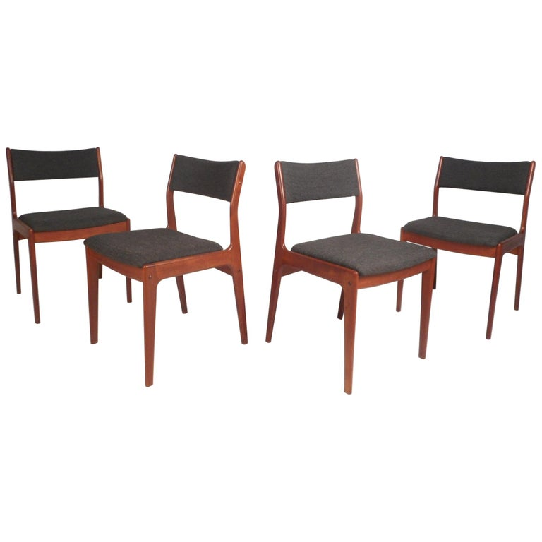 Set of Four Mid-Century Modern Danish Teak Dining Chairs For Sale