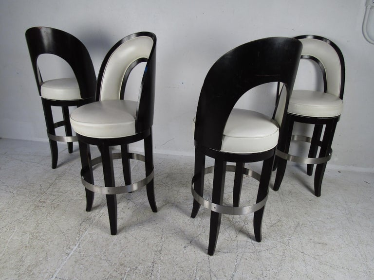 Set of Four Mid-Century Modern Italian Swivel Bar Stools In Good Condition For Sale In Brooklyn, NY