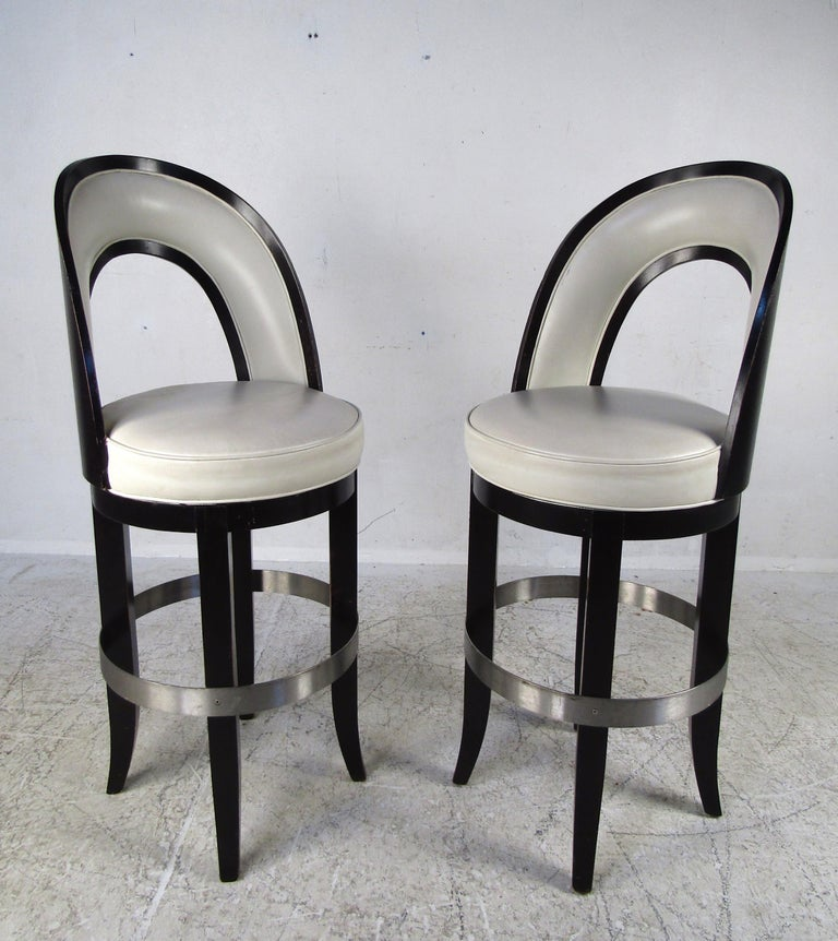 Late 20th Century Set of Four Mid-Century Modern Italian Swivel Bar Stools For Sale