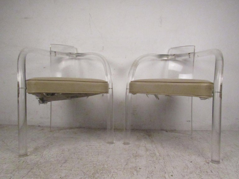Set of Four Mid-Century Modern Lucite Dining Chairs In Good Condition For Sale In Brooklyn, NY