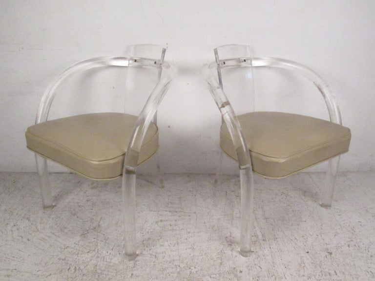 Late 20th Century Set of Four Mid-Century Modern Lucite Dining Chairs For Sale