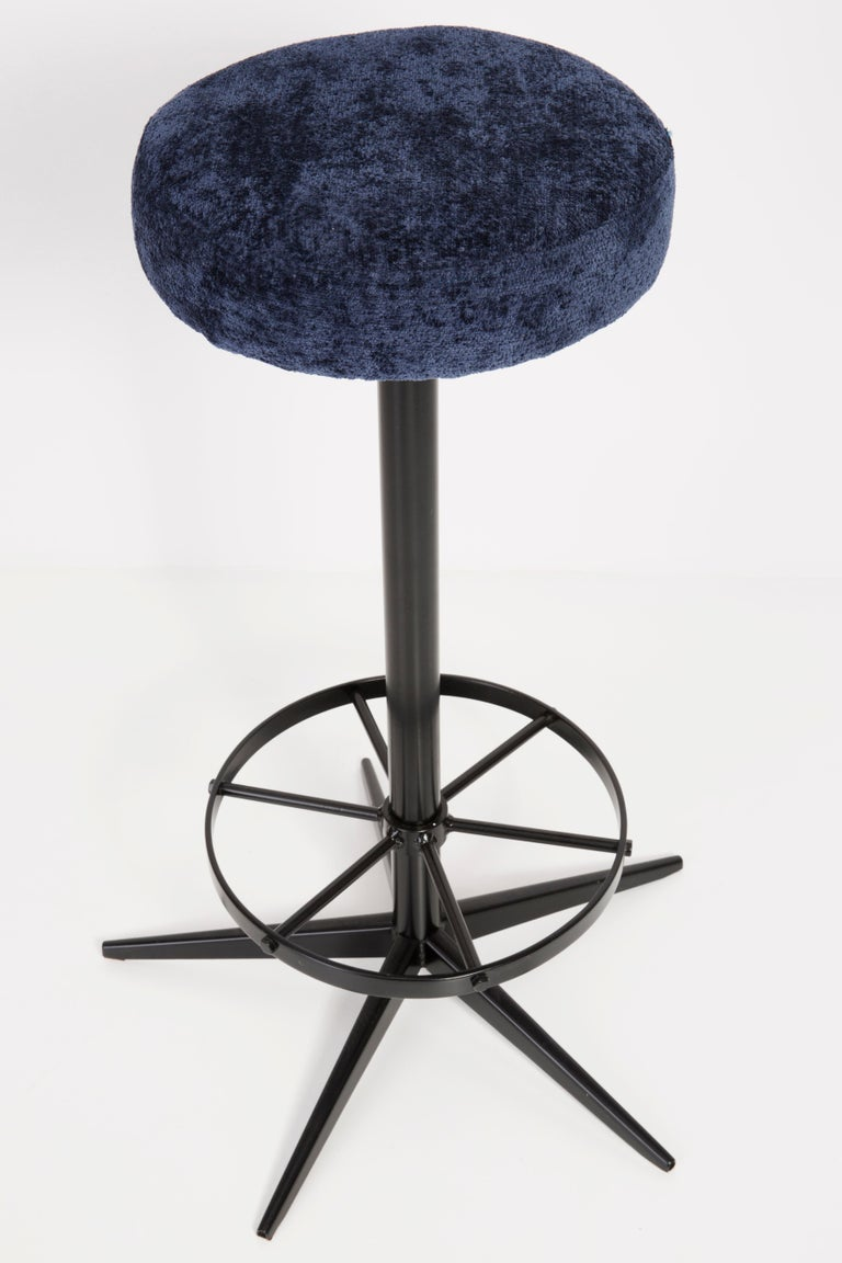 Set of Four Mid-Century Modern Navy Blue Bar Stools, 1960s For Sale 2