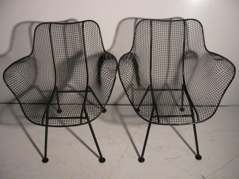 Set of Four Mid-Century Modern Sculptura Iron Chairs by Russell Woodard In Good Condition For Sale In Port Jervis, NY