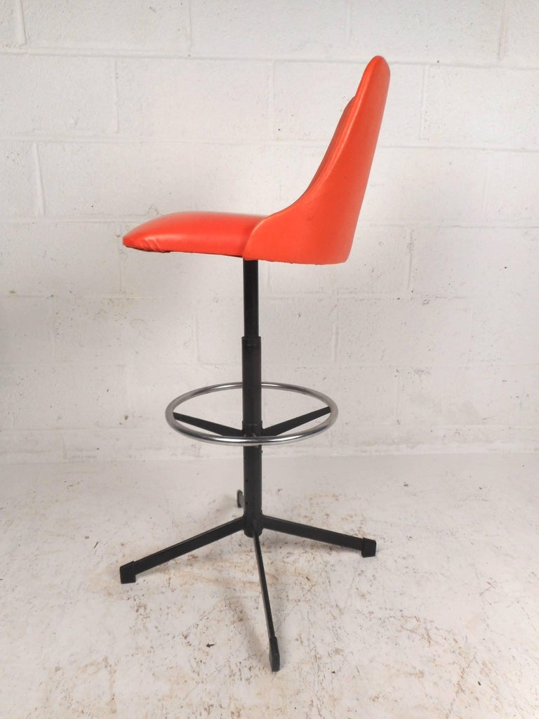 Late 20th Century Set of Four Mid-Century Modern Swivel Bar Stools For Sale