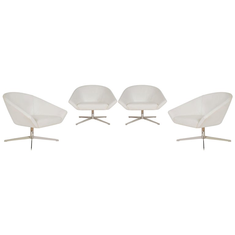 Set of Four Mid-Century Modern White Swivel Lounge Chairs by Bernhardt For Sale