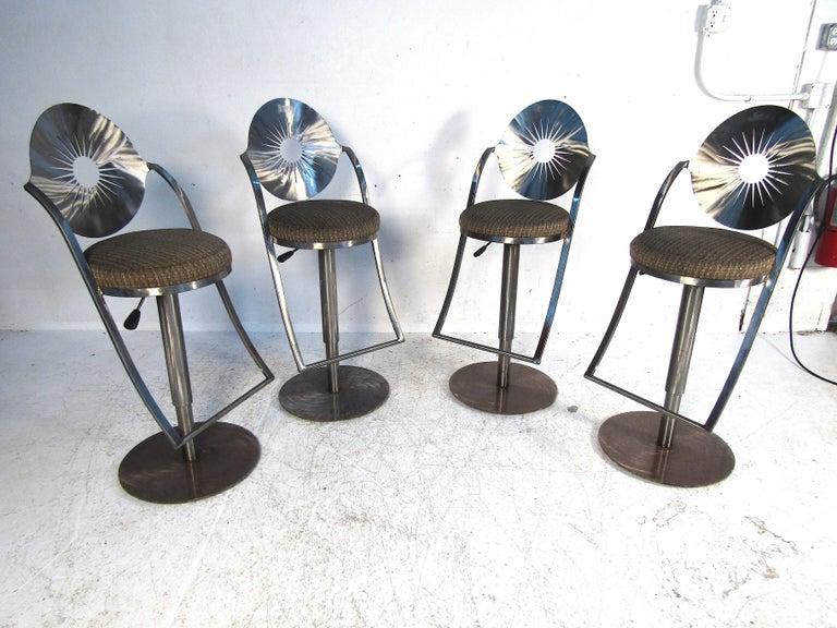 Mid-Century Modern Set of Four Midcentury Steel Bar Stools For Sale
