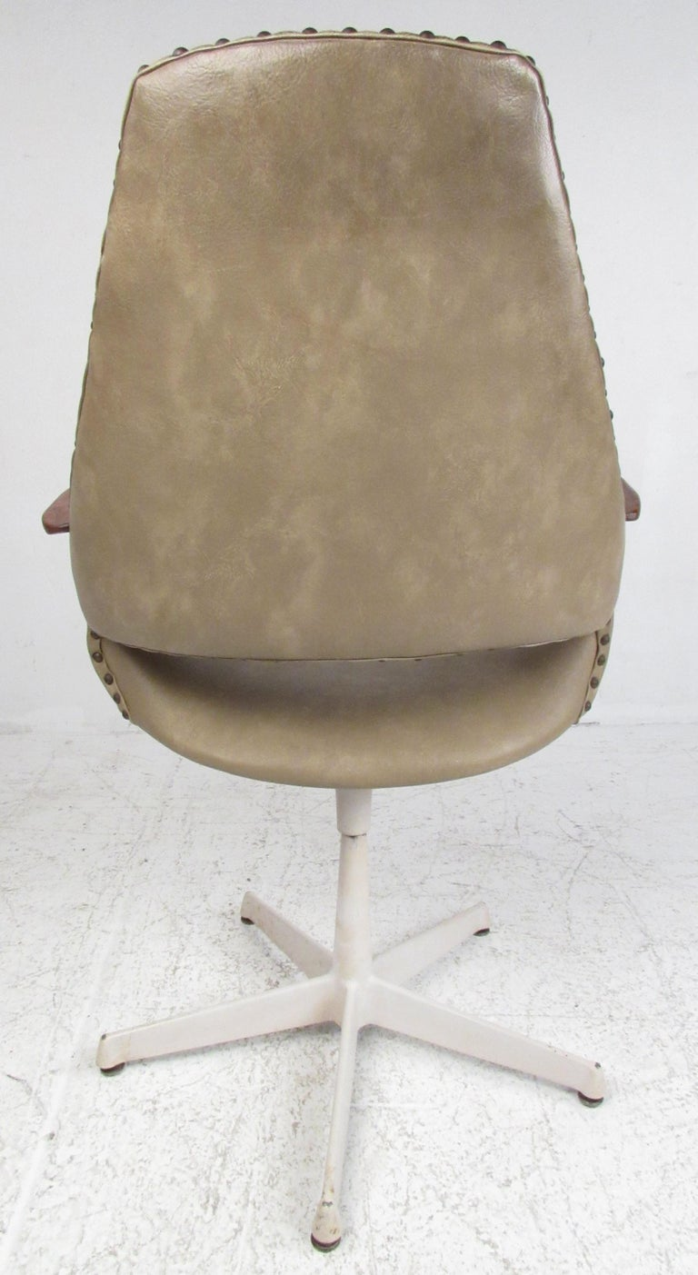 American Set of Four Midcentury Swivel Armchairs For Sale
