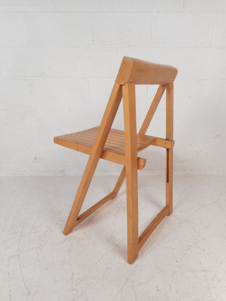 Set of Four Midcentury Folding Chairs For Sale 2
