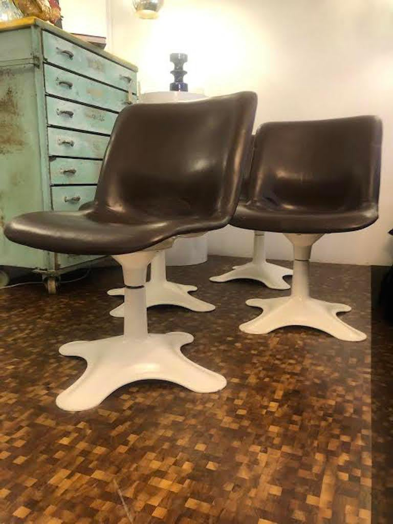 Metal Set of four Midcentury Leather Dining Chairs and a table by Yrjö Kukkapuro For Sale