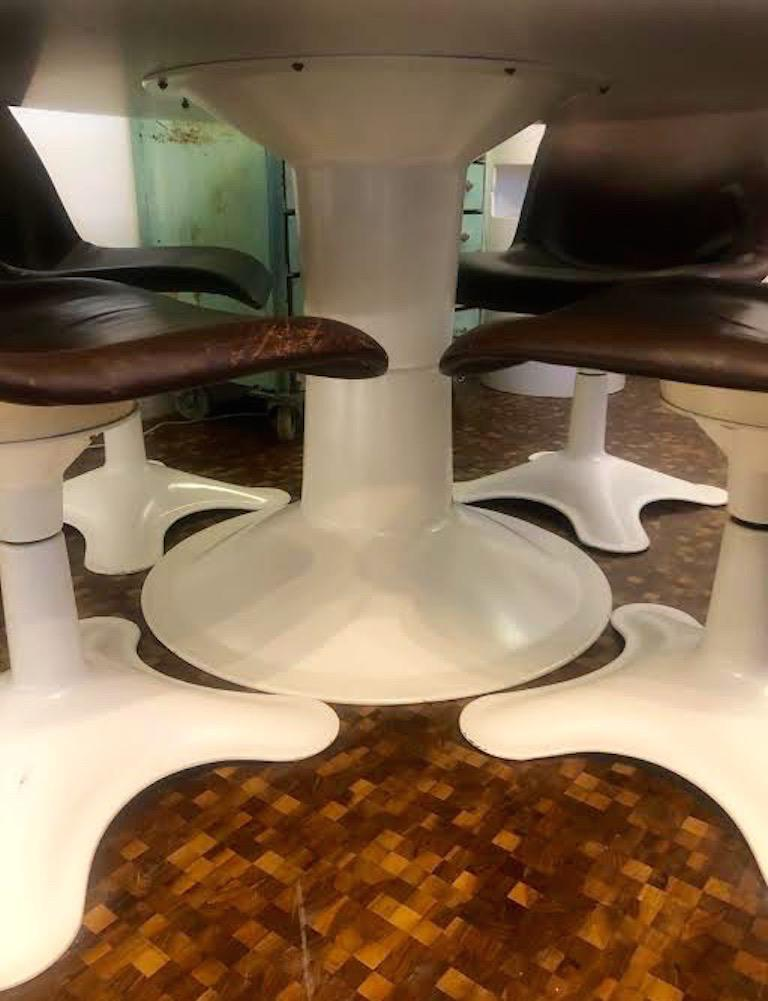 Set of four Midcentury Leather Dining Chairs and a table by Yrjö Kukkapuro For Sale 1