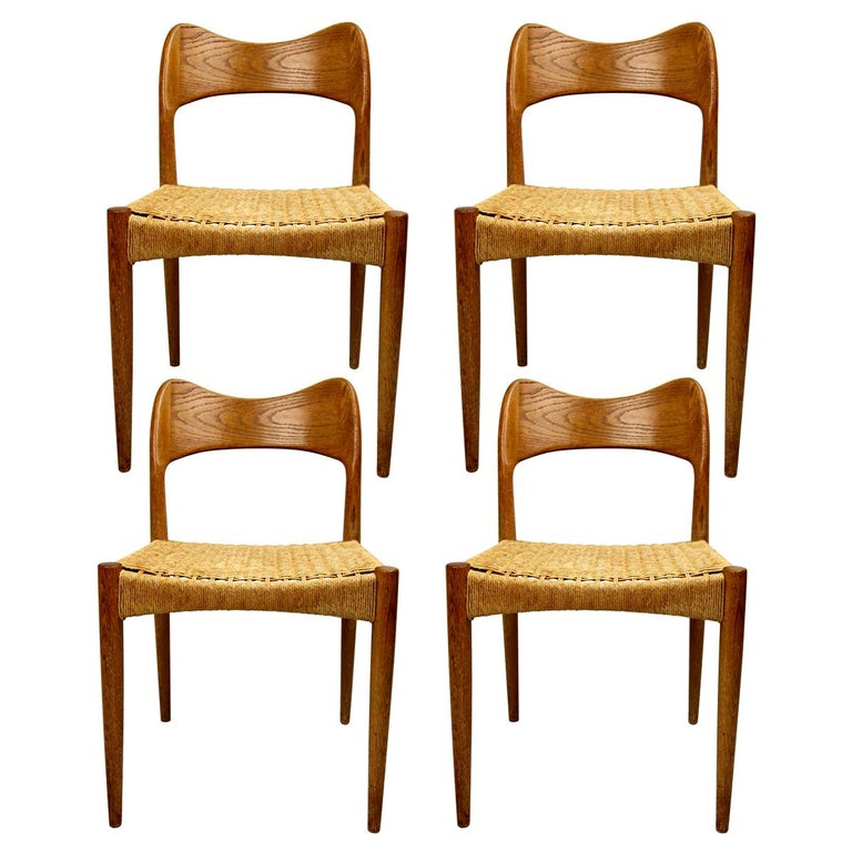 Set of four Midcentury Scandinavian Dining Chairs 71 by Niels O. Moller For Sale