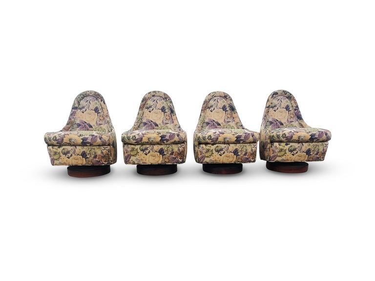 Set of Four Milo Baughman Petite Swivel and Tilt Lounge Chairs For Sale 3