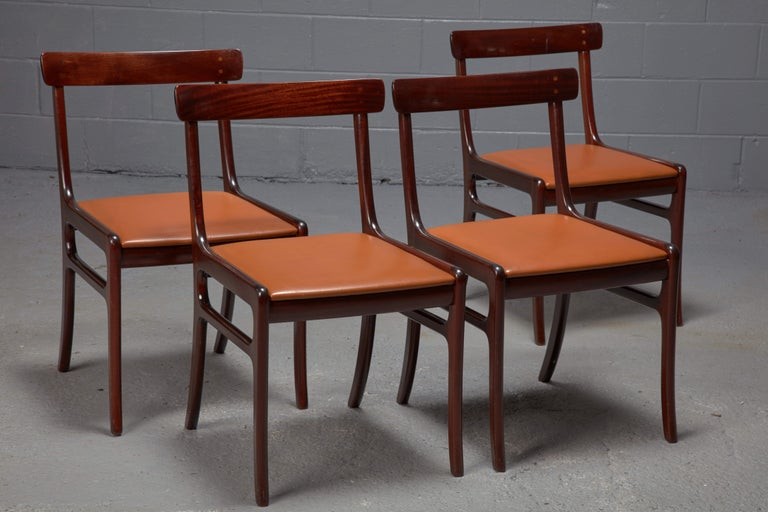 Mid-Century Modern Set of Four Ole Wanscher Mahogany Rungstedlund Dining Chairs with Leather Seats  For Sale