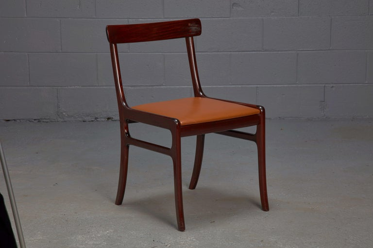 Set of Four Ole Wanscher Mahogany Rungstedlund Dining Chairs with Leather Seats  In Good Condition For Sale In Belmont, MA