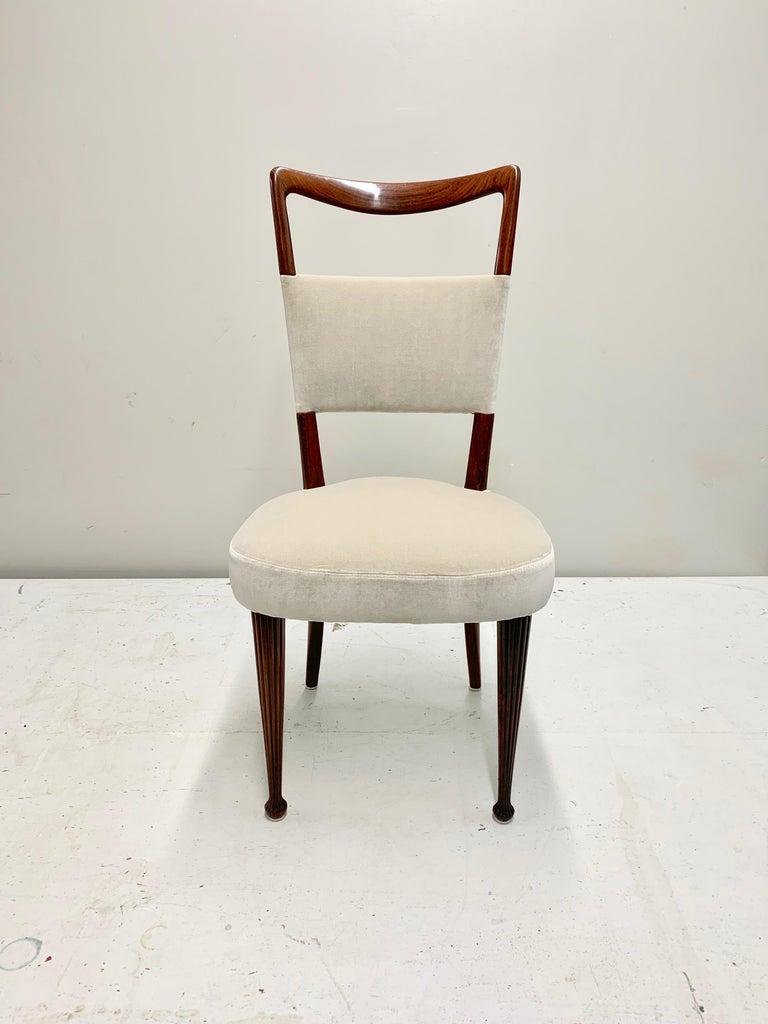 Set of Four Osvaldo Borsani Rosewood and Velvet Dining Chairs, 1950s Restored In Good Condition For Sale In Jersey City, NJ