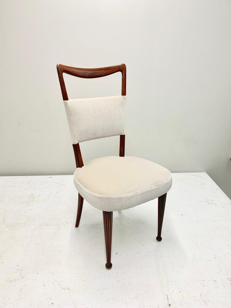Set of Four Osvaldo Borsani Rosewood and Velvet Dining Chairs, 1950s Restored For Sale 1