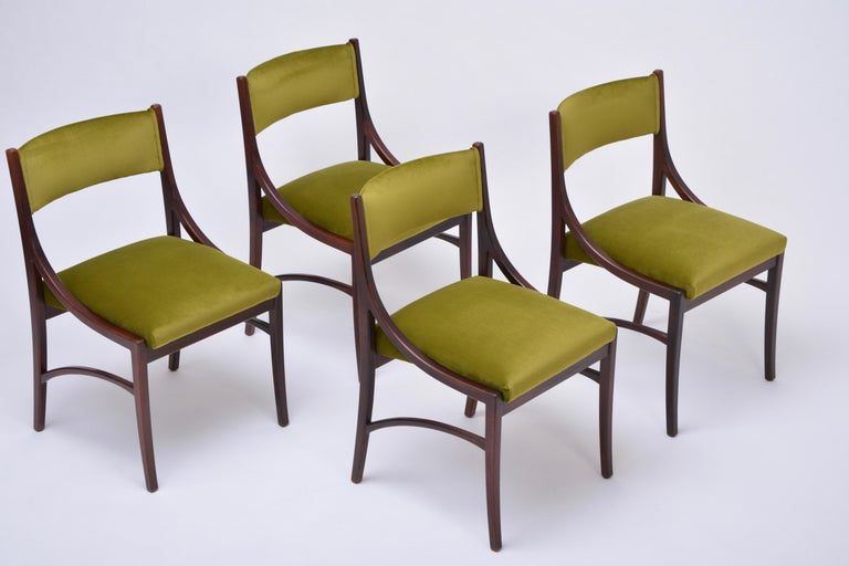 Set of four Mid-Century Modern Green reupholstered Dining Chairs by Ico Parisi  For Sale 4