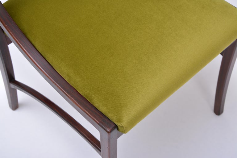 Set of four Mid-Century Modern Green reupholstered Dining Chairs by Ico Parisi  For Sale 5