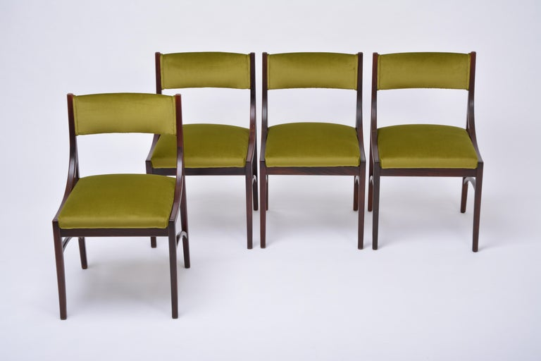 Italian Set of four Mid-Century Modern Green reupholstered Dining Chairs by Ico Parisi  For Sale