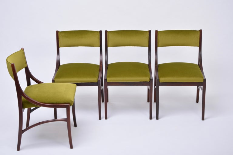 20th Century Set of four Mid-Century Modern Green reupholstered Dining Chairs by Ico Parisi  For Sale