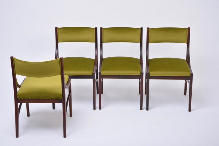 Set of four Mid-Century Modern Green reupholstered Dining Chairs by Ico Parisi  For Sale 1
