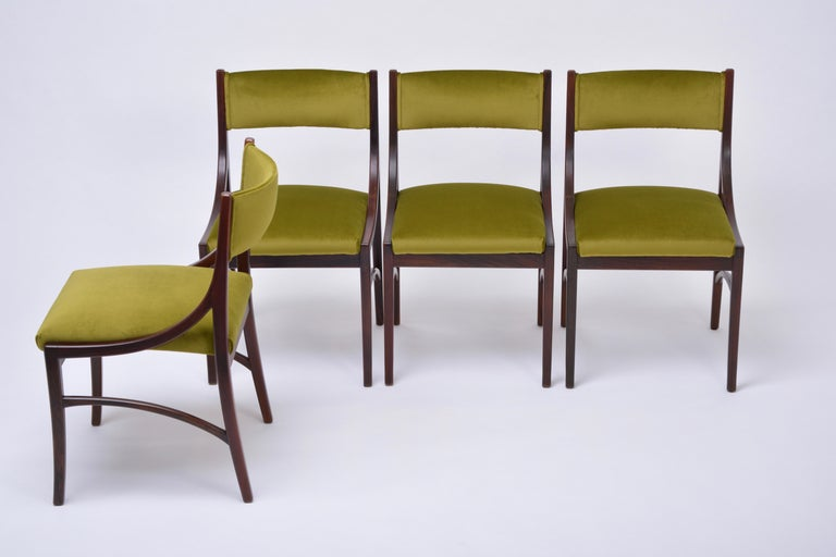 Set of four Mid-Century Modern Green reupholstered Dining Chairs by Ico Parisi  For Sale 3