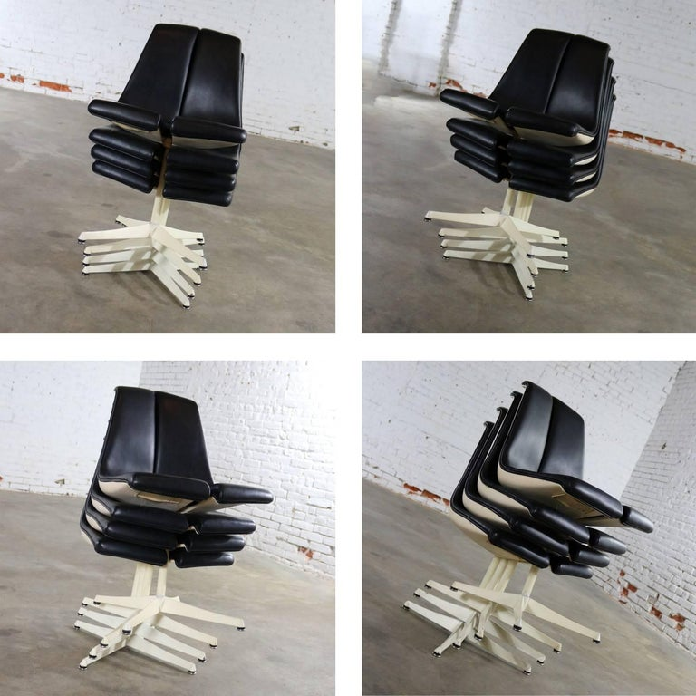 Steel Set of Four Richard Schultz Stacking Dining Chairs for Knoll For Sale